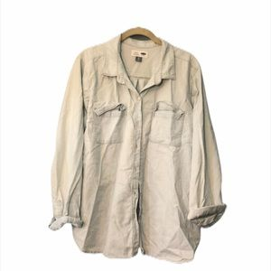 Old Navy Classic Fit Chambray Button Down